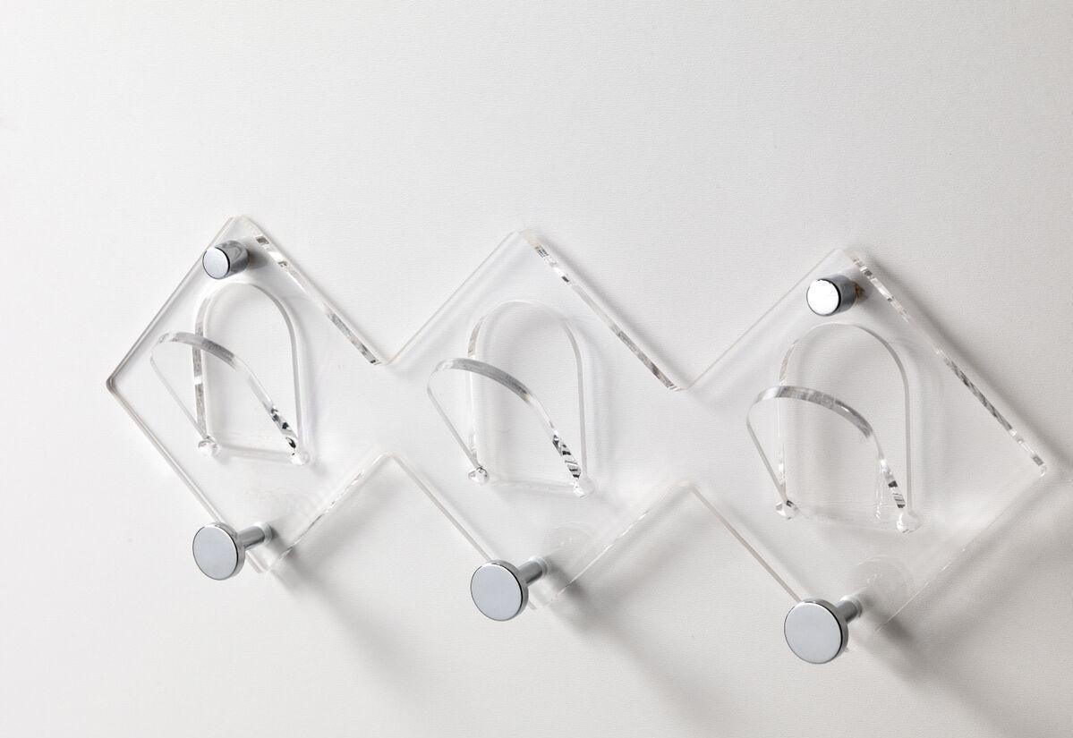 Piastrelle bagno effetto metal - Appendiabiti da bagno ...