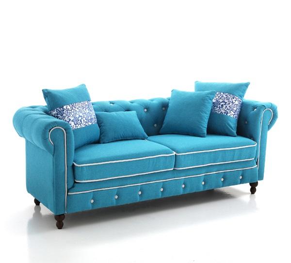 Divano chester in tessuto azzurro 3 posti con cuscini for Divano azzurro