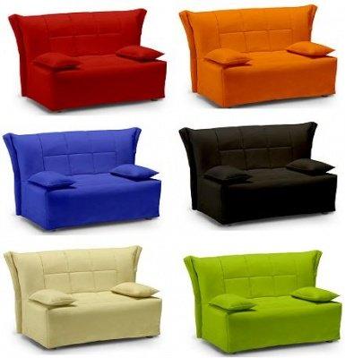 Divano letto large colore verde trapunta e cuscini