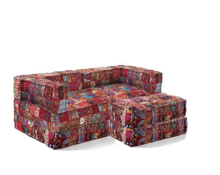 Divano Letto Patchwork : Divano trasformabile in letto cucito a mano con pouf patchwork