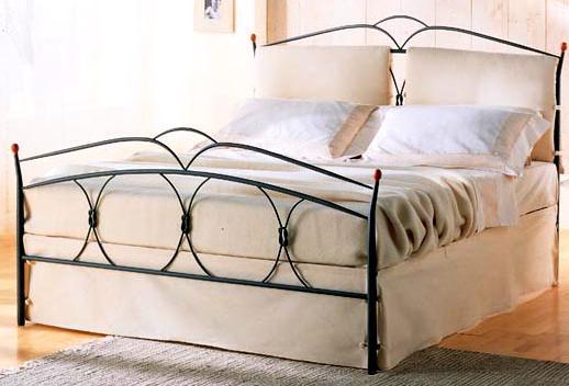 Letto ferro battuto con cuscini tutte le immagini per la - Testiera letto ferro battuto ...