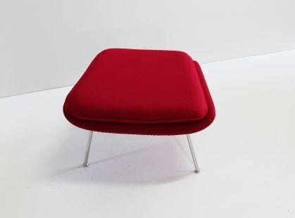 Tavolo saarinen ovale o tondo in legno di frassino for Copie mobili design
