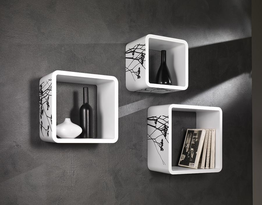 Cubi da muro varie forme e misure laccati bianco for Libreria cubi ikea