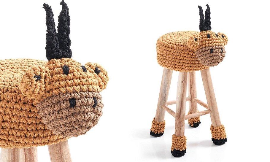 Sgabello fisso animale simpatico in legno e tessuto giallo