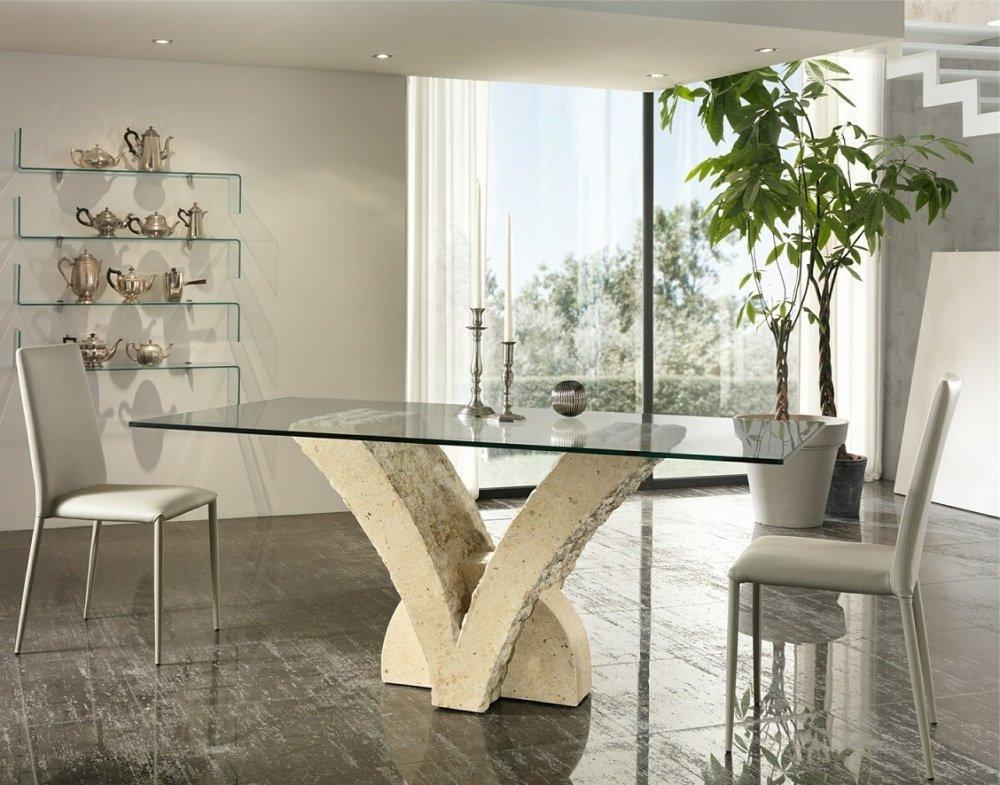 Tavolo moderno a v in pietra fossile e vetro for Tavolo vetro moderno