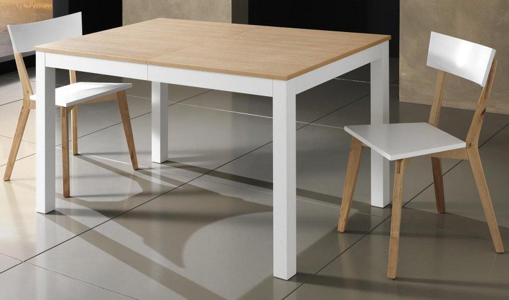 tavolo rotondo con zampe incrociate in legno