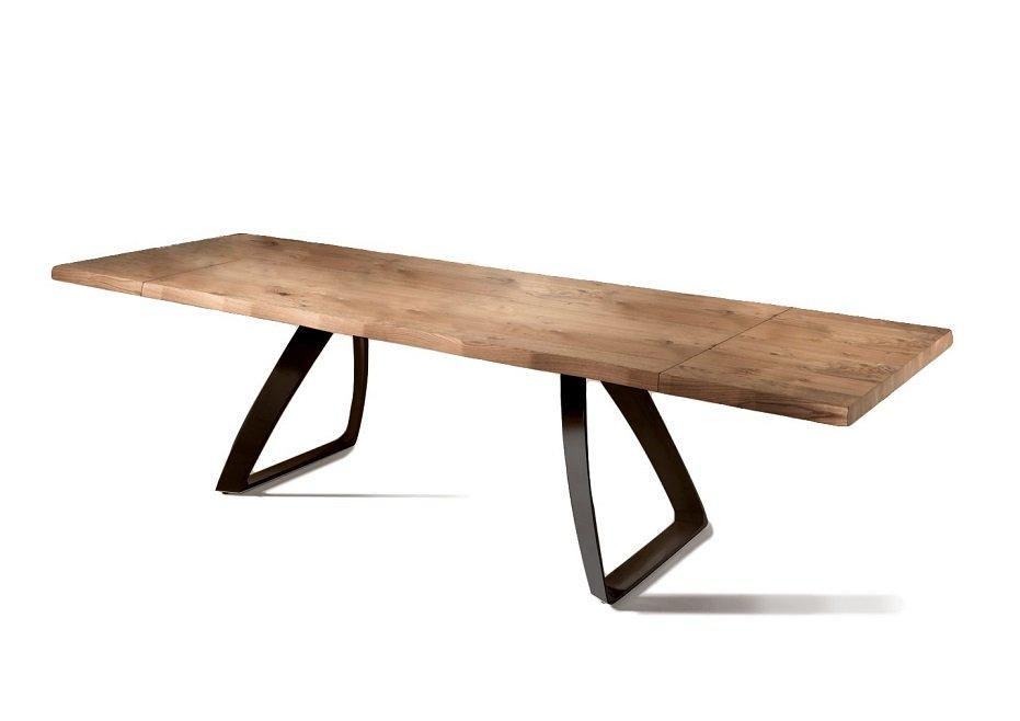 Tavoli Da Pranzo In Legno Allungabili : Tavolo da pranzo allungabile in legno e base nera