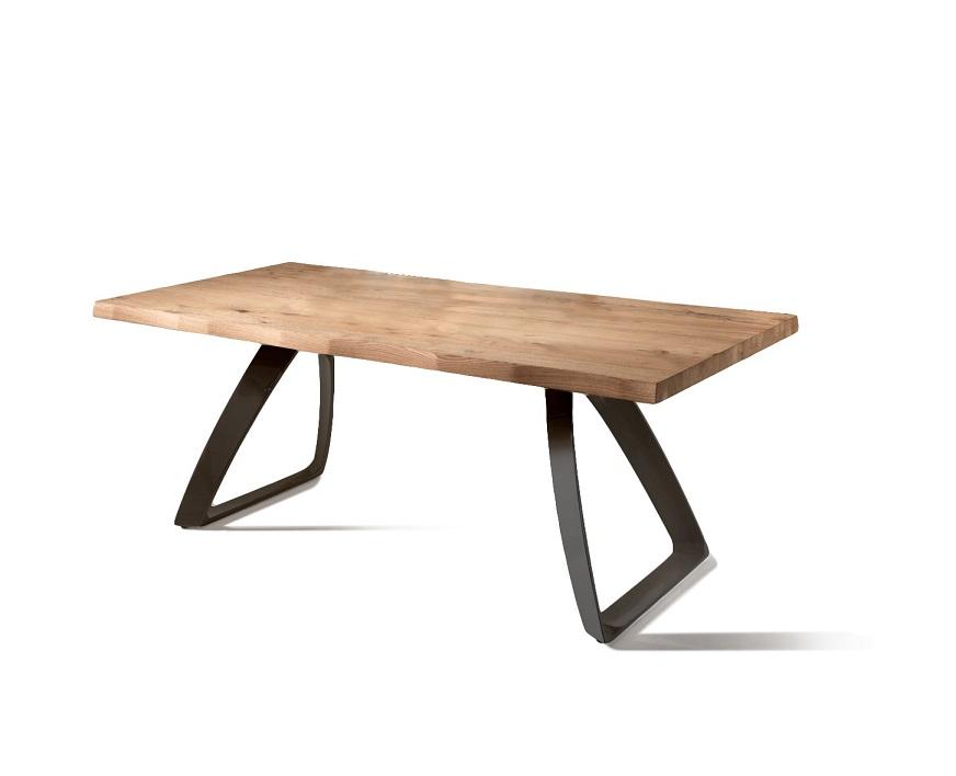 Tavolo da pranzo fisso in legno e base nera - Tavolo da pranzo legno ...